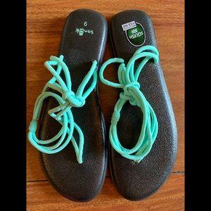 😍Sanuk Sandals
